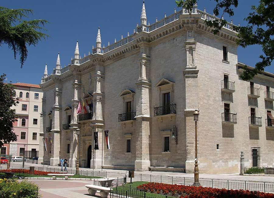 palacio-de-santa-cruz