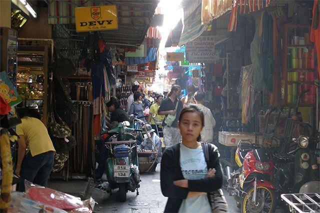 sampeng lane chinatown bangkok